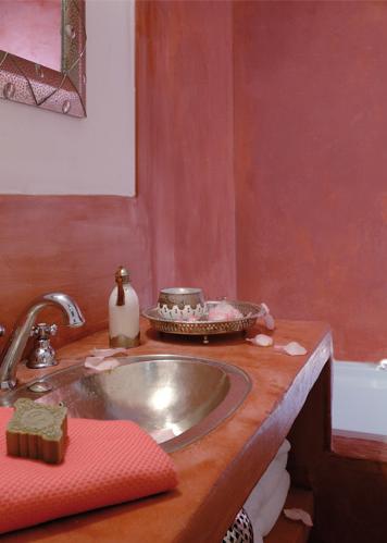 Peinture a la chaux pour salon cuisine et salle de bain - Enduit pour salle de bain ...