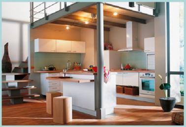 Cuisine am nag e sous mezzanine et ouverte sur salon - Deco maison cuisine ouverte ...