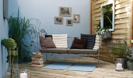 Id es d co pour un balcon ou une terrasse intime - Amenager sa terrasse pas cher ...