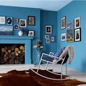 peinture salon harmonie de bleus tapis chocolat. Black Bedroom Furniture Sets. Home Design Ideas