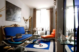 salon canap bleu murs gris perle. Black Bedroom Furniture Sets. Home Design Ideas
