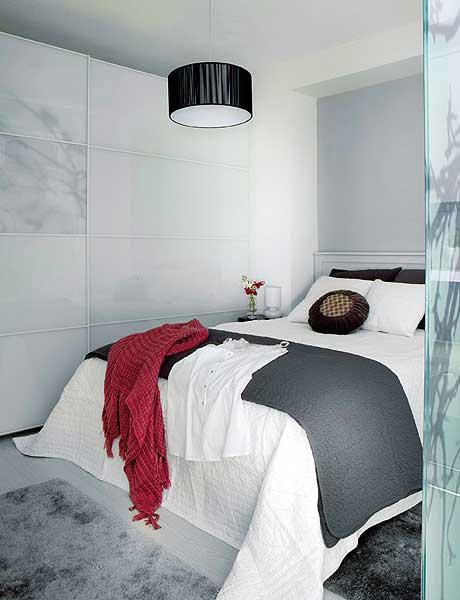 16 d co de chambre grise pour une ambiance zen deco cool for Chambre a coucher peinture rouge