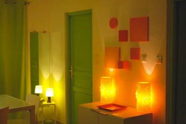 Couleur salle manger peinture jaune porte verte - Porte salle a manger ...