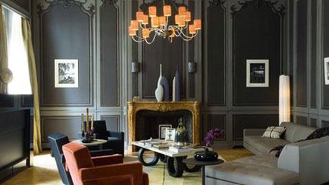decoration salon design fauteuils cuir rouge, table basse design,couleurs peinture nuance de gris des peintures ressources