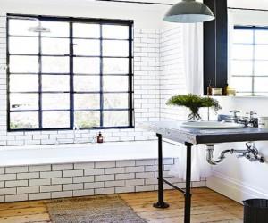 carrelage et faïence blanc pour salle de bain avec joints couleur noir assorti à la couleur de peinture et au plan sous-vasque noir