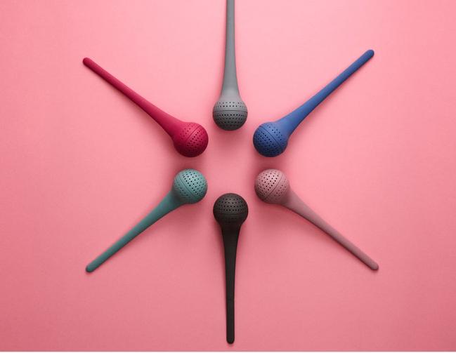 Boule à thé design en silicone. Existe en 6 coloris, une nouveauté présentée au salon Maison et Objet 09/12