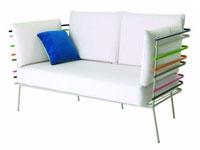 Pour choisir entre un canapé cuir et un canapé tissu adapté au style déco du salon, sélection de canapés 2 et 3 places Cinna, Roche Bobois, Ikea, Made In Design parmi les plus beaux modèles