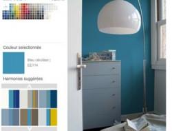 Pour la couleur de peinture de la chambre, choisir dans le nuancier la couleur de peinture murale, ici un bleu céruléen, puis choisissez les autres couleurs à associer parmi les harmonies de couleurs proposées par Tollens