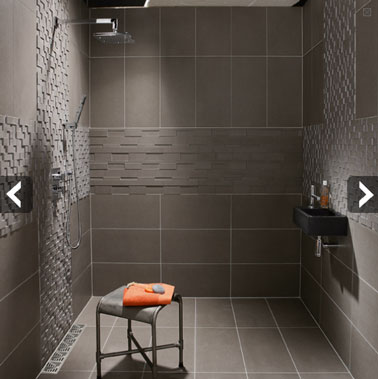 carrelage gris pour douche italienne d 39 une petite salle de bain. Black Bedroom Furniture Sets. Home Design Ideas