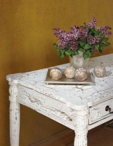 Comment faire une peinture craquel e facilement for Peinture meuble bois castorama