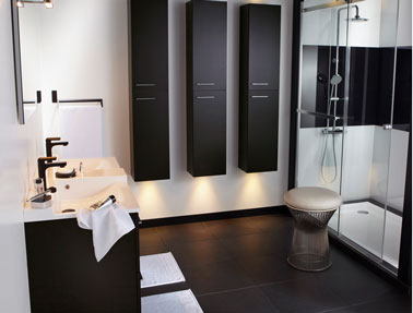 salle de bain design en noir et blanc. Black Bedroom Furniture Sets. Home Design Ideas
