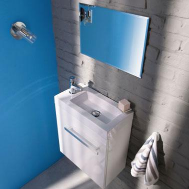 Meuble rangement wc et peinture bleu pacifique castorama for Meuble mural rangement toilette