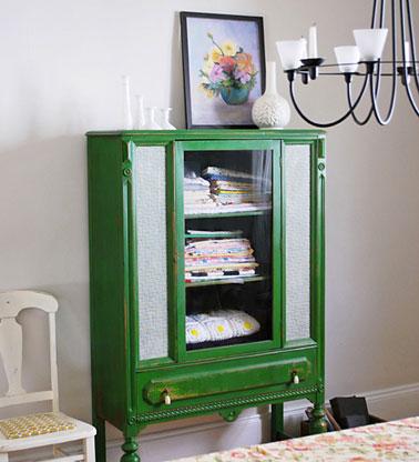 Pour être tendance en 2013, peindre une armoire, un petit meuble en vert émeraude