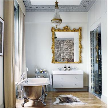 peinture sur baignoire pour un style rétro, coque peinte couleur gris métal