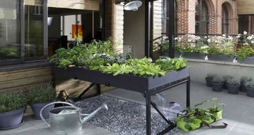 d coration potager sur balcon c est facile a faire 11 toulouse potager sur pieds leroy. Black Bedroom Furniture Sets. Home Design Ideas