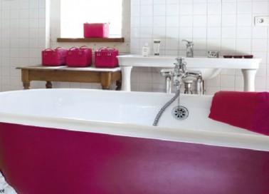 repeindre une baignoire avec la peinture r sinence. Black Bedroom Furniture Sets. Home Design Ideas