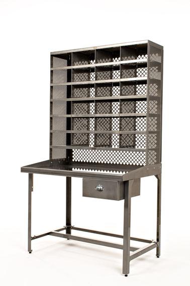Réédition du casier de tri postal Tolix disponible dans toutes les finitions indoor et outdoor et dans 51 couleurs