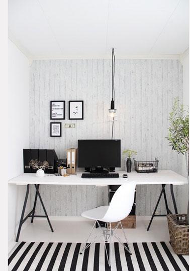 fabriquer un bureau avec des tr teaux et planche blanc. Black Bedroom Furniture Sets. Home Design Ideas