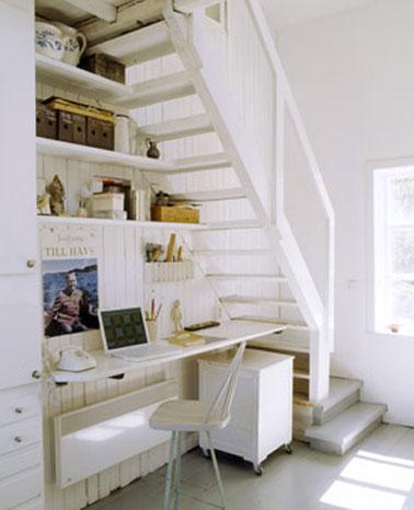 bureau am nag sous l 39 escalier de l 39 entr e. Black Bedroom Furniture Sets. Home Design Ideas