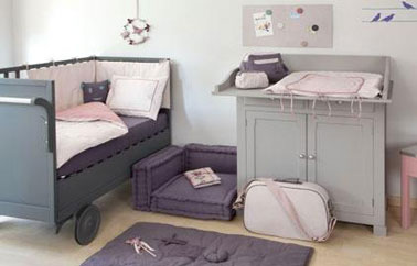 chambre bebe fille couleur taupe gris et rose. Black Bedroom Furniture Sets. Home Design Ideas
