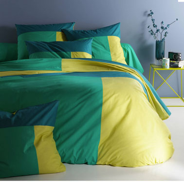 chambre adulte couette couleur bleu et vert meraude. Black Bedroom Furniture Sets. Home Design Ideas
