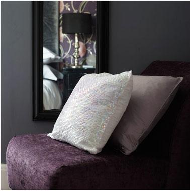 Chambre gris prune design de maison - Mur couleur prune ...