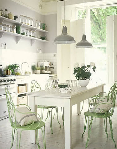 cuisine maison de campage en harmonie de blanc gris et vert. Black Bedroom Furniture Sets. Home Design Ideas