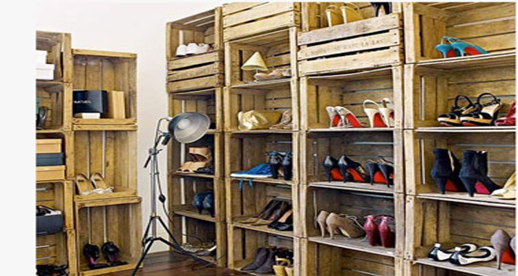 dressing chaussures avec rangement en caisses en bois. Black Bedroom Furniture Sets. Home Design Ideas