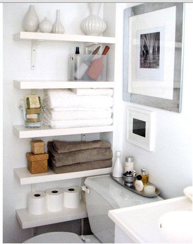 Etageres stratifie dans coin wc dans salle de bains - Etageres salle de bain ...