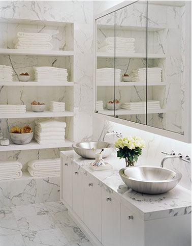 Rangement salle de bain en 26 id es anti casse t te for Salle bain marbre blanc