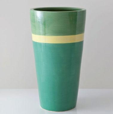 Vase couleur tendance 2013 en céramique couleur camaïeux de vert et jaune. 51 cm de hauteur. disponible à La Redoute