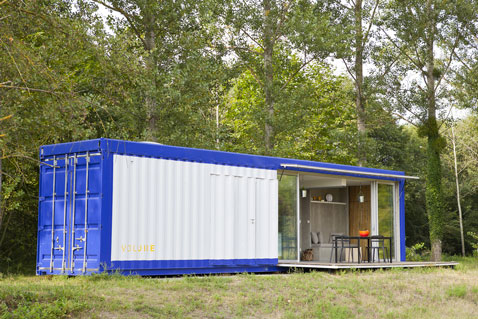 Container amenage en loft pour des vacances en plein air d co cool - Amenager un container en maison ...