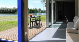 container Volume aménagé en habitation de vacances avec 2 terrasse