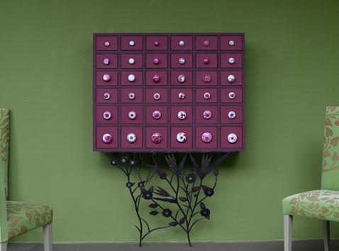 Série complète des poignées pour meuble en céramique peintes à la main de chez Emery & Cie