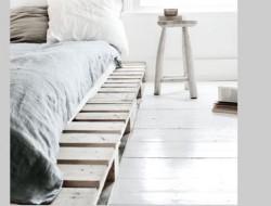 deco-chambre-gris-blanc-palette-bois-pour-lit