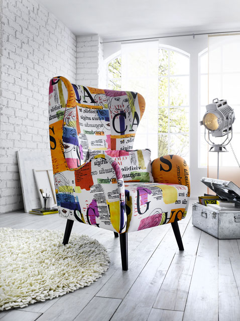 un fauteuil vintage pour apporter de la couleur dans le salon d co cool. Black Bedroom Furniture Sets. Home Design Ideas