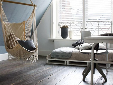 34 id es de lit en palette bois a faire pour la chambre. Black Bedroom Furniture Sets. Home Design Ideas
