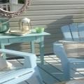 Pour repeindre volets, petits meubles et salon de jardin, la peinture pour plastique est un petit bijou de relooking facile et pas cher pour l'extérieur et la maison