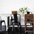 chaises et table dépareillees, idees déco pour la salle à manger et la cuisine