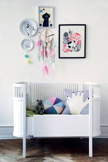 Chambre b b d coration murale avec cadre dessin rose bleu for Decoration murale chambre bebe