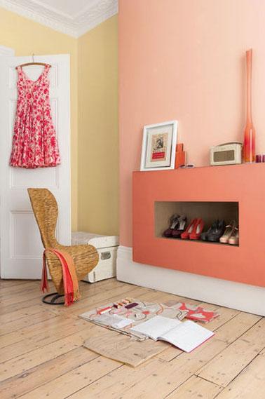 Salon Marocain Noir Avec Strass : Déco chambre aux couleurs vitaminées avec une peinture rose