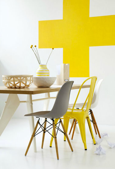 14 id es de chaises d pareill es autour de la table d co for Salle a manger jaune moutarde