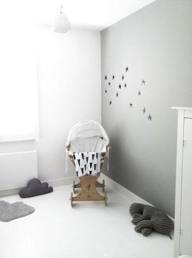 D coration chambre b b couleur gris blanc berceau bois - Chambre bebe bois blanc ...