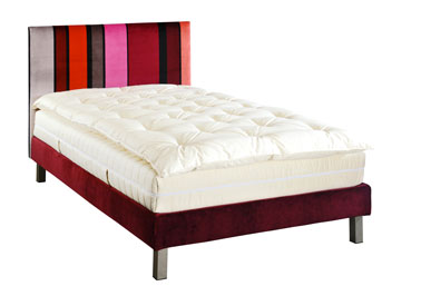 lit sommier et t te de lit tissu rouge national lit lut ce. Black Bedroom Furniture Sets. Home Design Ideas