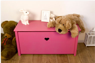 peindre coffre jouets couleur rose flashy maison d co. Black Bedroom Furniture Sets. Home Design Ideas