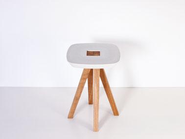 Tabouret béton et bois réaliser avec des matériaux reclyclés