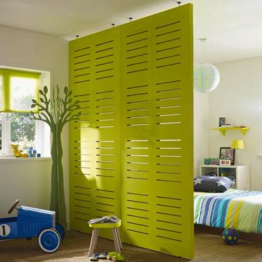 cloison amovible en bois peindre dans chambre enfant. Black Bedroom Furniture Sets. Home Design Ideas