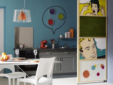 Cloison s paration cuisine salon d cor e avec posters pop - Separation cuisine salon vitree ...
