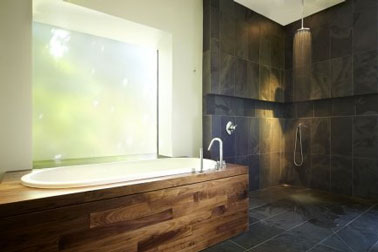 10 id es de salle de bain italienne d co - Baignoire et douche cote a cote ...