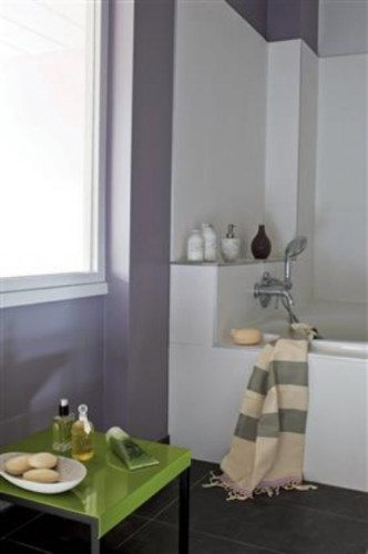 Quelle peinture pour repeindre la salle de bain d co cool - Peinture pour salle de bain humide ...
